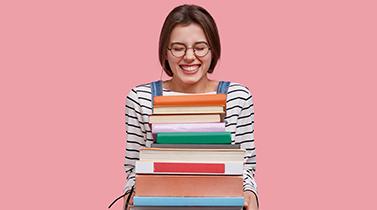 """Em 10 dias a Biblioteca Municipal José Marmelo e Silva já emprestou mais de uma centena de livros em regime de """"Take-Away"""""""